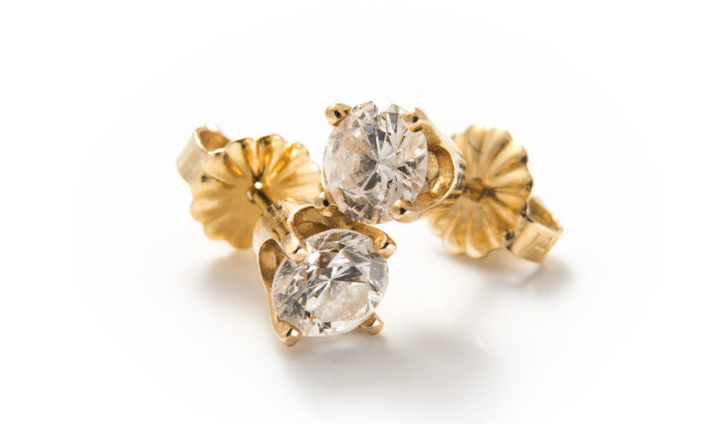 Sustainable Jewelry - Exquisite pre-loved diamond stud earrings